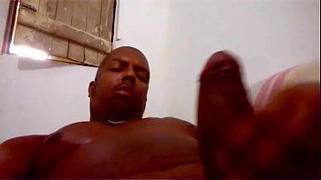 Video Enteada safada liberando a buceta pro padrasto