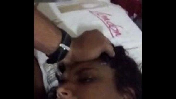 Amadora de leite recebeu uma gozada na cara