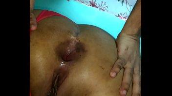Safadinha brasileira se exibindo na webcam metendo o consolo na xoxota