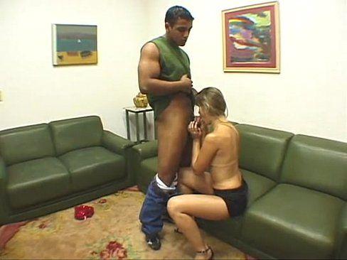 Loira amadora fazendo videozinho porno caseiro