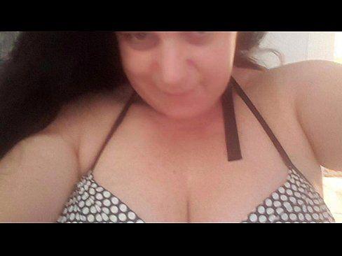 Ex namorada gordinha caiu na net mandando nudes da buceta