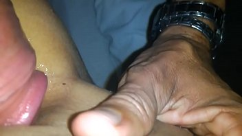 Darlene Amaro esfregando a bunda na cara do macho sortudo