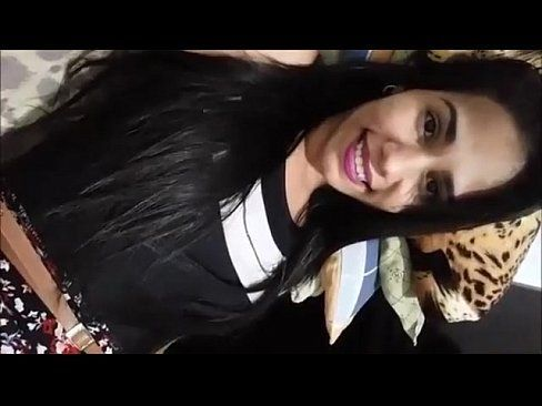 Baiana safada muito linda mostrando a bucetinha na siririca amadora caiu na net