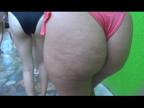 Brasileiras gostosas de biquini enfiado na bunda