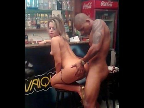 Pamela Pantera Fazendo filme porno no bar