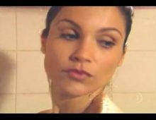 Empregada flavia alessandra nua no banho