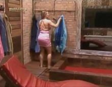 Gostosa sheila mello nua no banho
