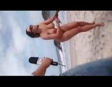 Rabuda mulher melao pelada na praia