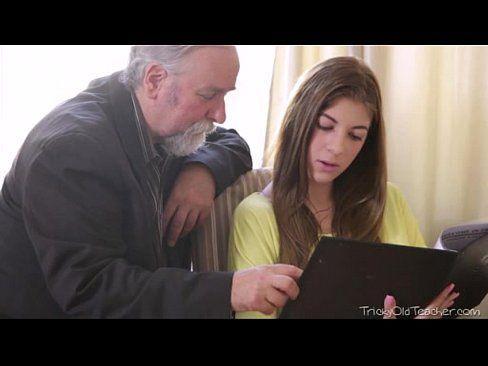 Novinha com seu avo em vidios de sexo