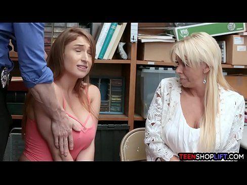 Rapaz faz sexo explicito com uma ruiva safada