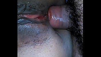 Novinha morena do acervo sexo mete com o musculoso