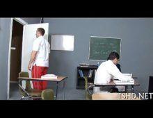 Novinha mulatas rabudas fode com o colega de escola