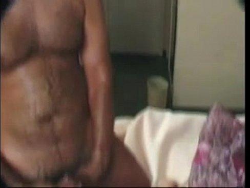 Bela gravida metendo com um velho