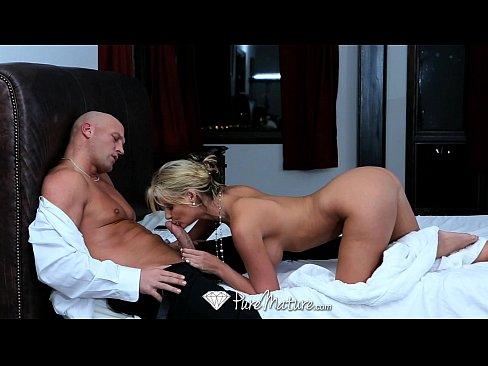 Careca em sexo com a mulher cavala