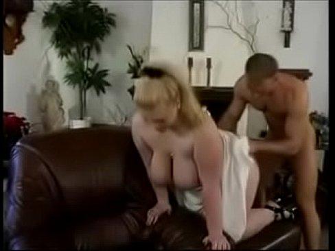 Porno antigo de gordas dando o cu para o fortinho