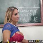 Asistir porno com loira deliciosa metendo com seu aluno na facu