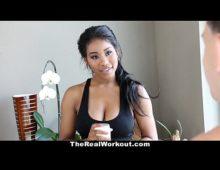 Morena safada www.ninfetas fazendo sexo com o seu amigo