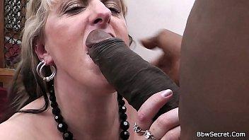 Negro em sexo com gordinha gostosa