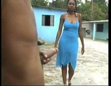 Rapaz comeu a vizinha negra que adora mamar