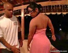 Video mulher pelada rabuda toma a pica do negro jovem