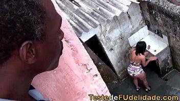 Favelada do arcevoamador dando para o negro