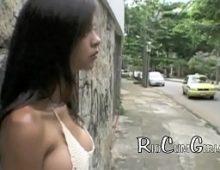 Carioca jovem neste pornobom tomando porra