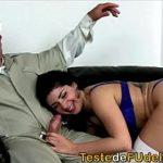 Novinha cadela no porno padrasto sendo comida
