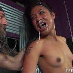 Japonesa amadorastub em foda com o barbudo