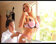 Loira nua no video de mulher gosando