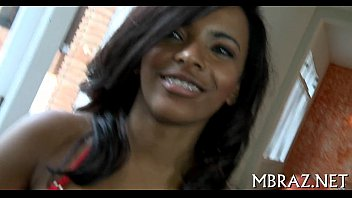 Mulher quente no video brasileirinhas fazendo sexo