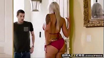 Baixar vídeo de pornô com loira exitada levando cacete