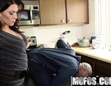 Mulher gatinha em o pornozao dando para o negro