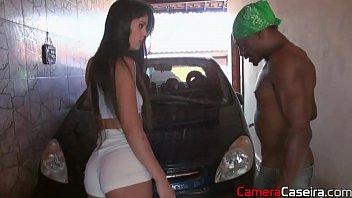 Negro exitado em foda com uma cadela no porno brasileiro amador