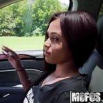 Linda negra garotas de programa novinha fodendo no carro