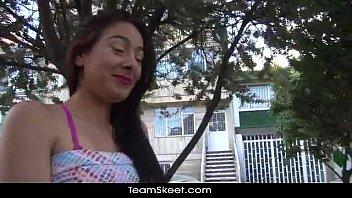 Novinha perfeita demais no video amador caiu na net