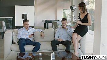 Gostoso video porno internacional comendo cu da putinha