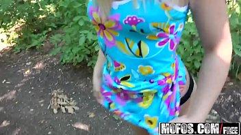 Uma loira gatinha esta em sexo caseiro novinhas tomando rola